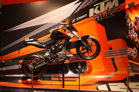 The KTM 125 Duke has a claimed power output of 15hp and 8.9 ft-lb. of torque.