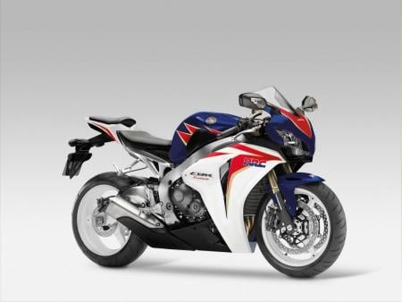 Europeans will be offered a tricolor CBR1000RR.