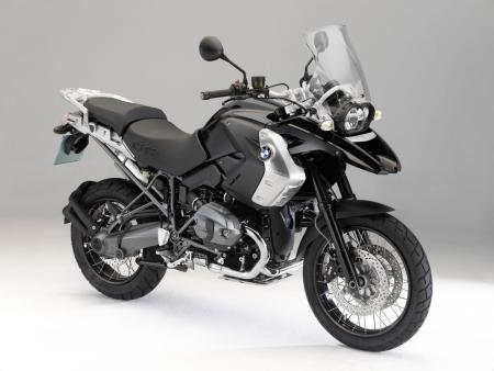 "BMW is issuing a special edition ""Triple Black"" version of its top-selling R1200GS."