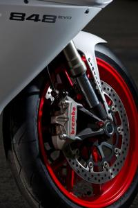 Brembo's one-piece monobloc calipers are a worthwhile upgrade for the racetrack-bred 848.