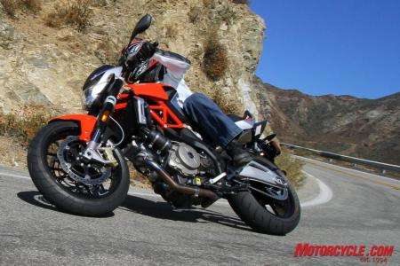 Ducati Monster 796 vs. Aprilia Shiver IMG 1414