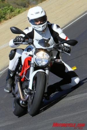 Ducati Monster 796 vs. Aprilia Shiver IMG 6773