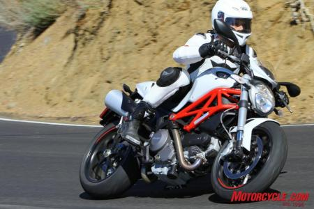 Ducati Monster 796 vs. Aprilia Shiver IMG 6796