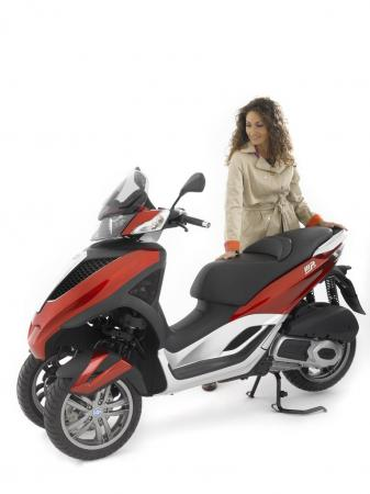 Piaggio USA will import the MP3 Yourban to the US as the MP3 City. Expect to see it in showrooms in late 2011.