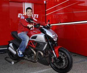 Nicky Hayden made a deal with the Diavel.
