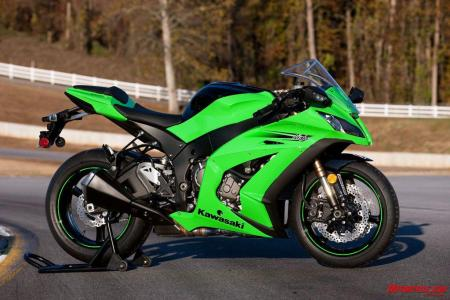 http://www.motorcycle.com/gallery/gallery.php/d/271080-2/Hot-Bikes-Kawasaki-ZX-10R-01.jpg