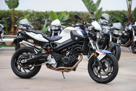 2011 BMW F800R Review
