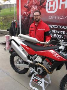 2011 Husqvarna TE 449 Preview
