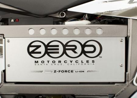 2011_zero-x_detail_battery2_1680x1200_press.jpg