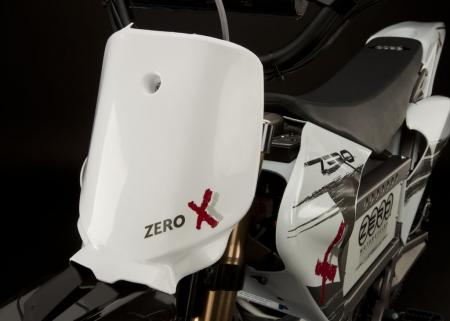 2011_zero-x_detail_number-plate_1680x1200_press.jpg