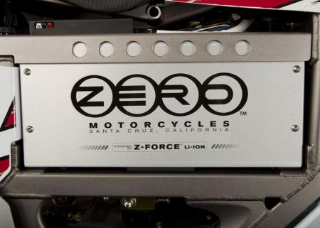 2011_zero-mx_detail_battery2_1680x1200_press.jpg