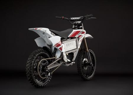 2011_zero-mx_studio_dirt-back_1680x1200_press.jpg