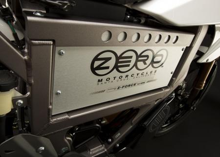 2011_zero-xu_detail_battery_1680x1200_press.jpg
