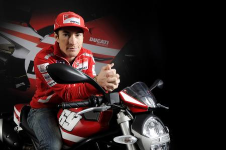 030911-hayden-ducati-monster-2