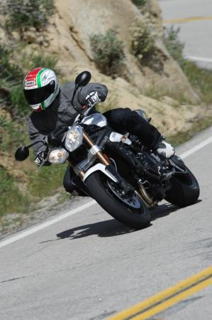 2011 Triumph Speed Triple 1050 TR3_5300