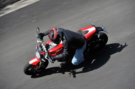 2011 Ducati Monster 1100 EVO M3S9021