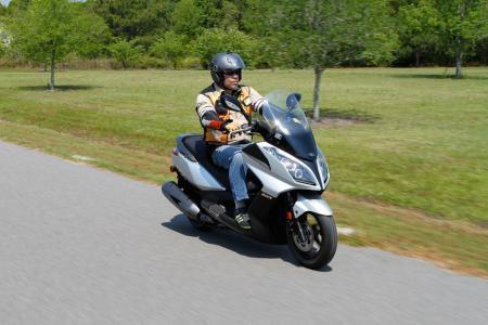 2012 Kymco Downtown Action01