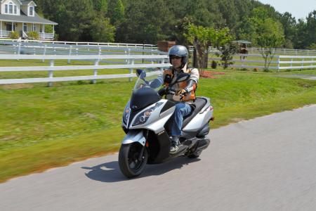 2012 Kymco Downtown Action02