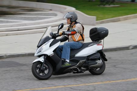 2012 Kymco Downtown Action03