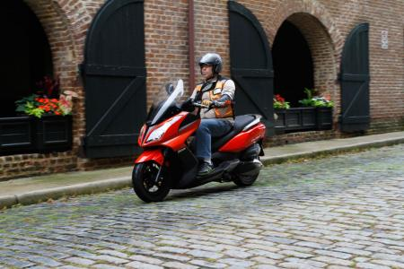 2012 Kymco Downtown Action04