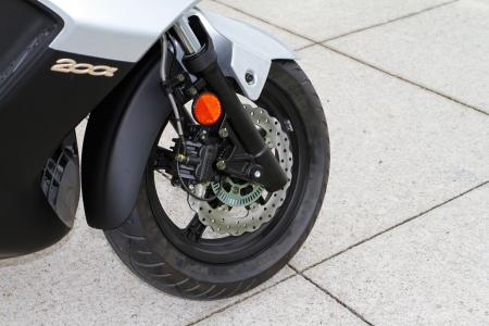 2012 Kymco Downtown Detail-05