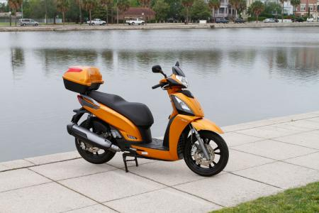 2012 Kymco People GTi Detail-01