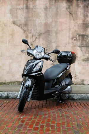 2012 Kymco People GTi Detail-07