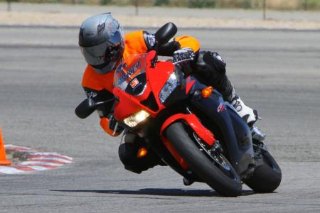 2011 Supersport Shootout - Track Action IMG_9637