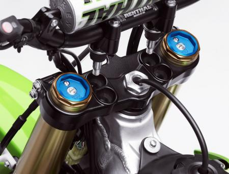 051711-2012-kawasaki-KX450FCF_40018_D3_ADJUSTABLE-HANDLEBAR-MOUNT_amp_UPPER-TRIPLE-CLAMP_RGB.jpg