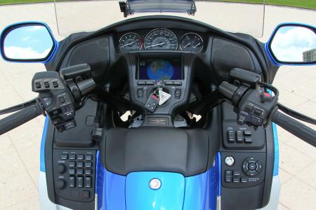 2012 Honda Gold Wing Review AN8E4878