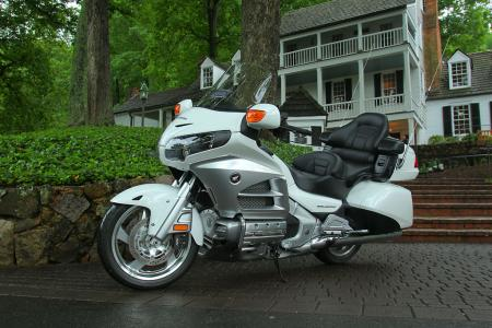 2012 Honda Gold Wing Review AN8E5864