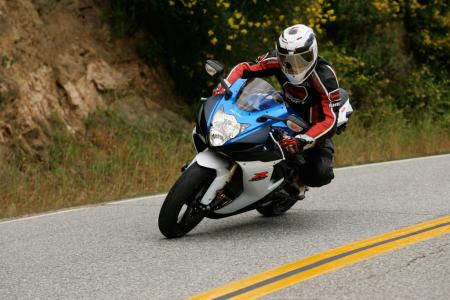 2011 Middleweight Sportbike Shootout - Street 003