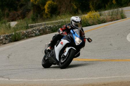 2011 Middleweight Sportbike Shootout - Street 007