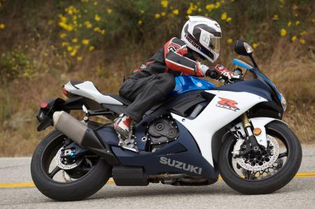 2011 Middleweight Sportbike Shootout - Street 025