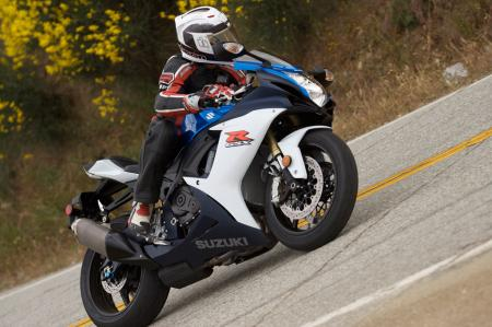 2011 Middleweight Sportbike Shootout - Street 029