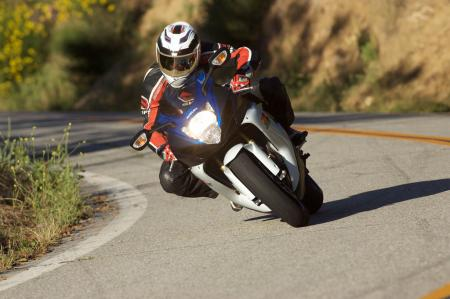 2011 Middleweight Sportbike Shootout - Street 037