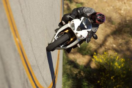 2011 Middleweight Sportbike Shootout - Street 069