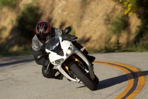 2011 Middleweight Sportbike Shootout - Street