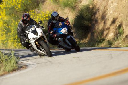 2011 Middleweight Sportbike Shootout - Street 081
