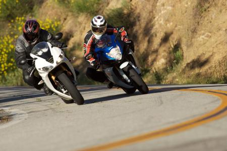 2011 Middleweight Sportbike Shootout - Street 083