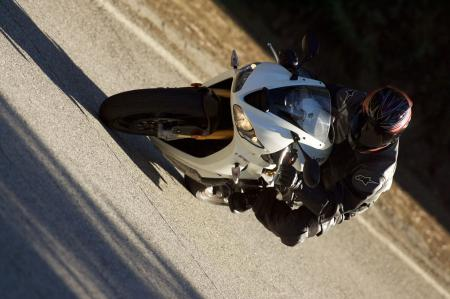 2011 Middleweight Sportbike Shootout - Street 087
