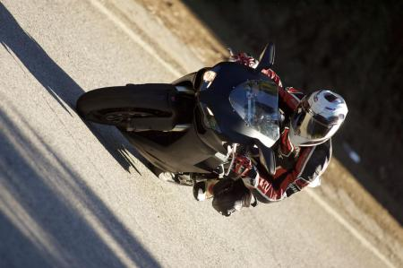 2011 Middleweight Sportbike Shootout - Street 099