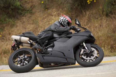 2011 Middleweight Sportbike Shootout - Street 109