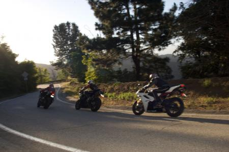 2011 Middleweight Sportbike Shootout - Street 120