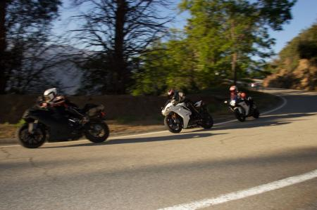 2011 Middleweight Sportbike Shootout - Street 121