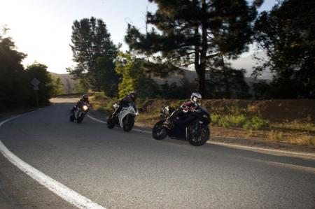 2011 Middleweight Sportbike Shootout - Street 122