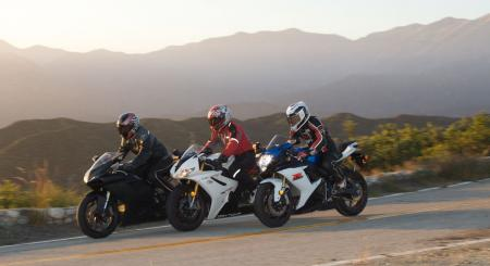 2011 Middleweight Sportbike Shootout - Street 135