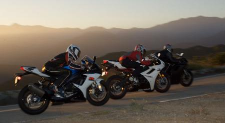 2011 Middleweight Sportbike Shootout - Street 138