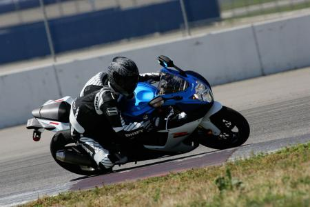 2011 Middleweight Sportbike Shootout - Track 004