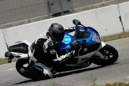 2011 Middleweight Sportbike Shootout - Track 010